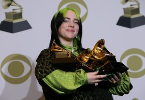 Billie Eilish, con sus galardones.