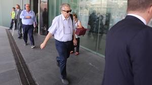 El empresario Antoni Mas entrando en la Ciutat de la Justicia.
