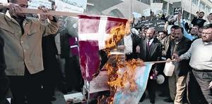 AGRAVIADOS Manifestación en Amman (Jordania), el 7 de febrero del 2006, contra la publicación de las viñetas de Mahoma. Los musulmanes que salieron a la calle fueron una minoría, activa y ruidosa.