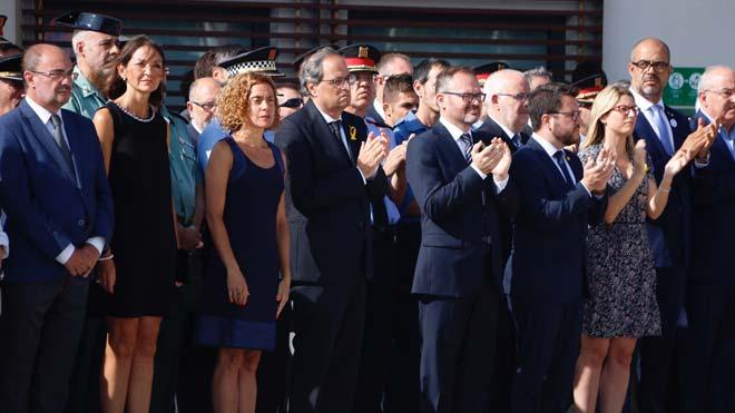 La alcaldesa de Cambrils afirma que el terrorismo no cambiará la convivencia y la democracia.