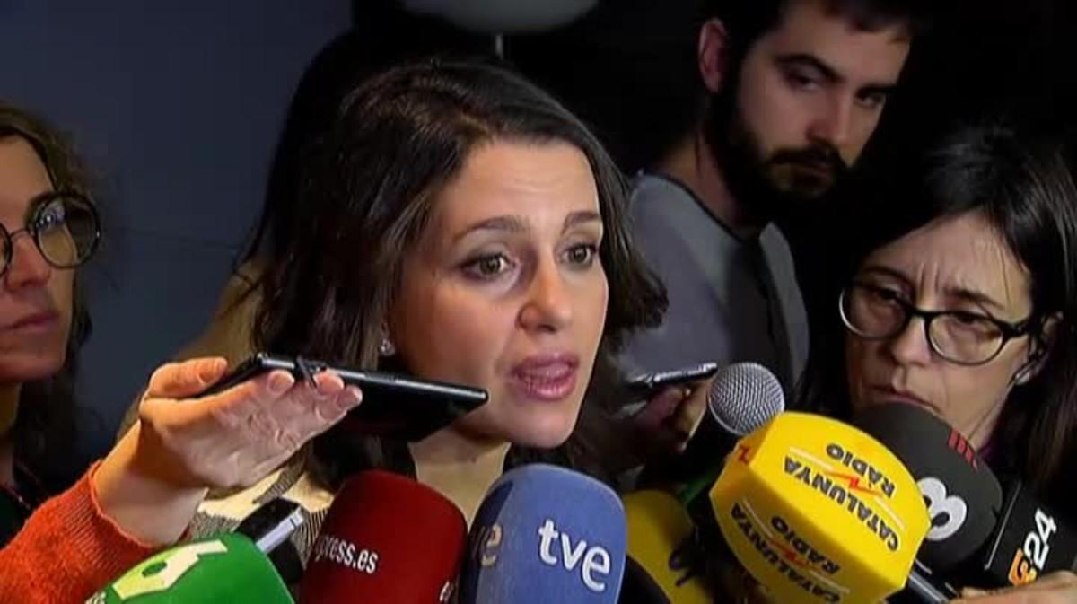 La líder de Cs en Catalunyacree que poco a pocose va recompensando el no tener complejos .
