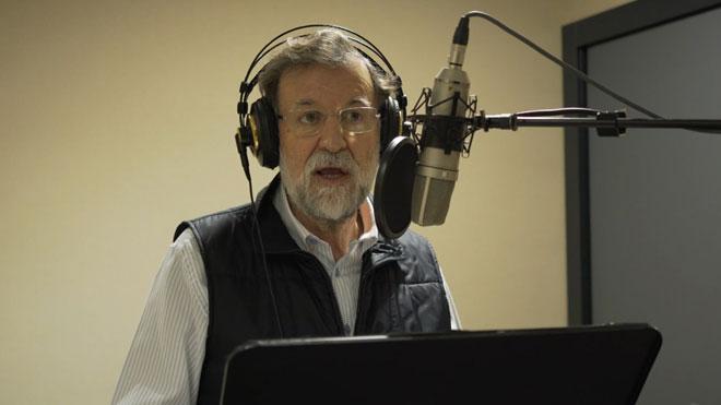 Así grabó Mariano Rajoy el audiolibro de 'Una España mejor'.