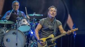 Bruce Springsteen, en el concierto del Camp Nou de Barcelona, en mayo, con el que el Boss empezó en Europa su gira The river tour.