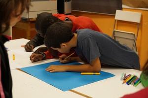 Nens en un centre educatiu de la fundació Pere Tarrés