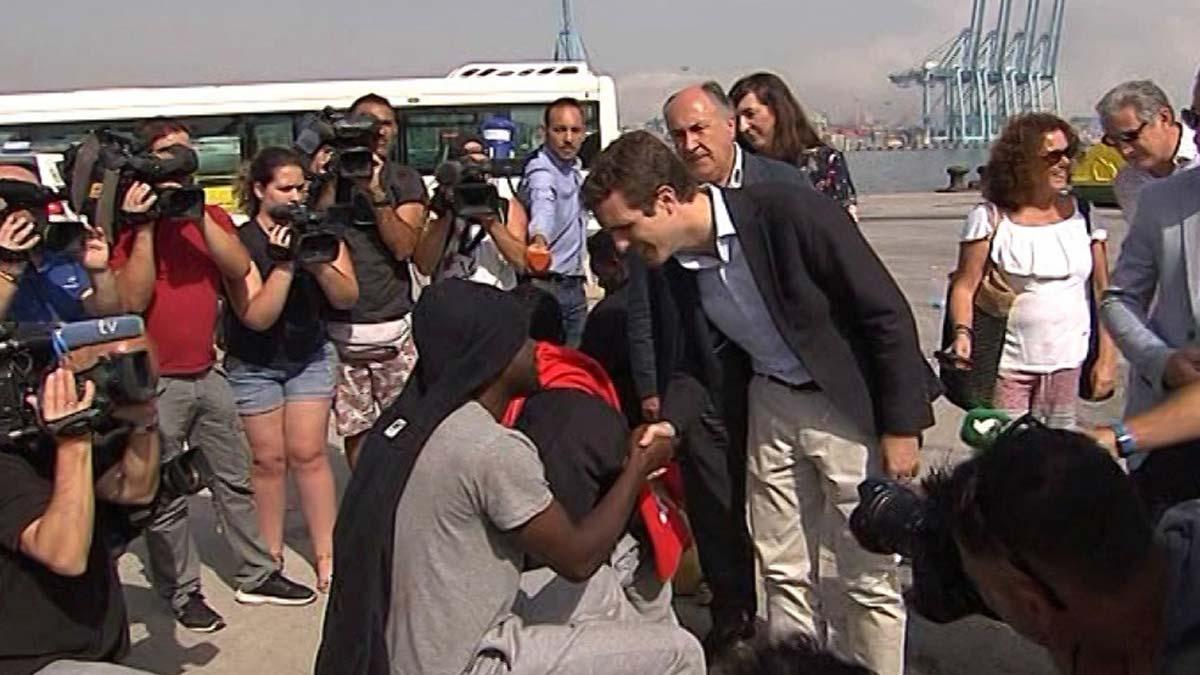 Pablo Casado viaja a Algeciras y Ceuta para visitar a inmigrantes.