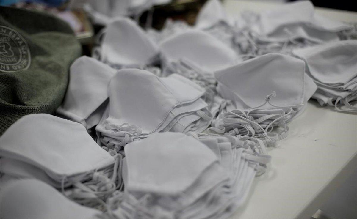 Mascarillas elaboradas por una profesora de moda de la Universidad Rey Juan Carlos de Madrid.