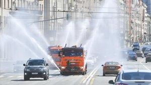 Desinfección de las calles de Moscú, este viernes.