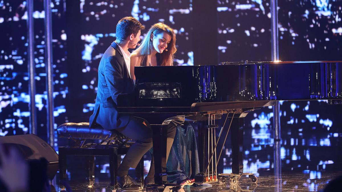Alfred y Amaia interpretan City of stars.