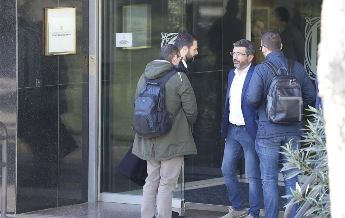 Gerard Figueras llega a la sede de la Secretaria General de l'Esport, en noviembre del 2019.