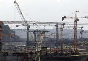 Grúas en las obras del canal de Panamá, la semana pasada.