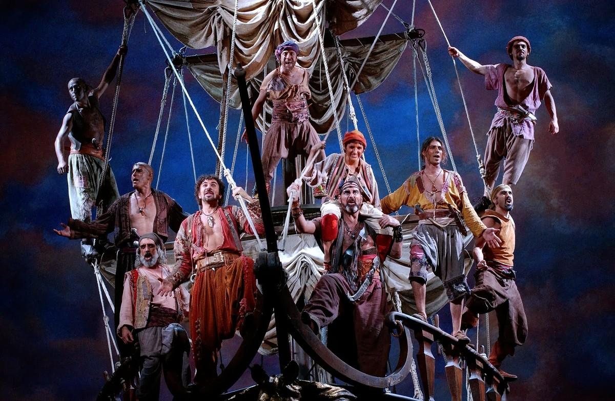 El Himne dels pirates, del musical Mar i cel, interpretada por Dagoll Dagom.