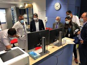 Visita del director del Servei Català de la Salut, Adrià Comella, de ayer 22 de octubre de 2020 al Hospital de Terrassa