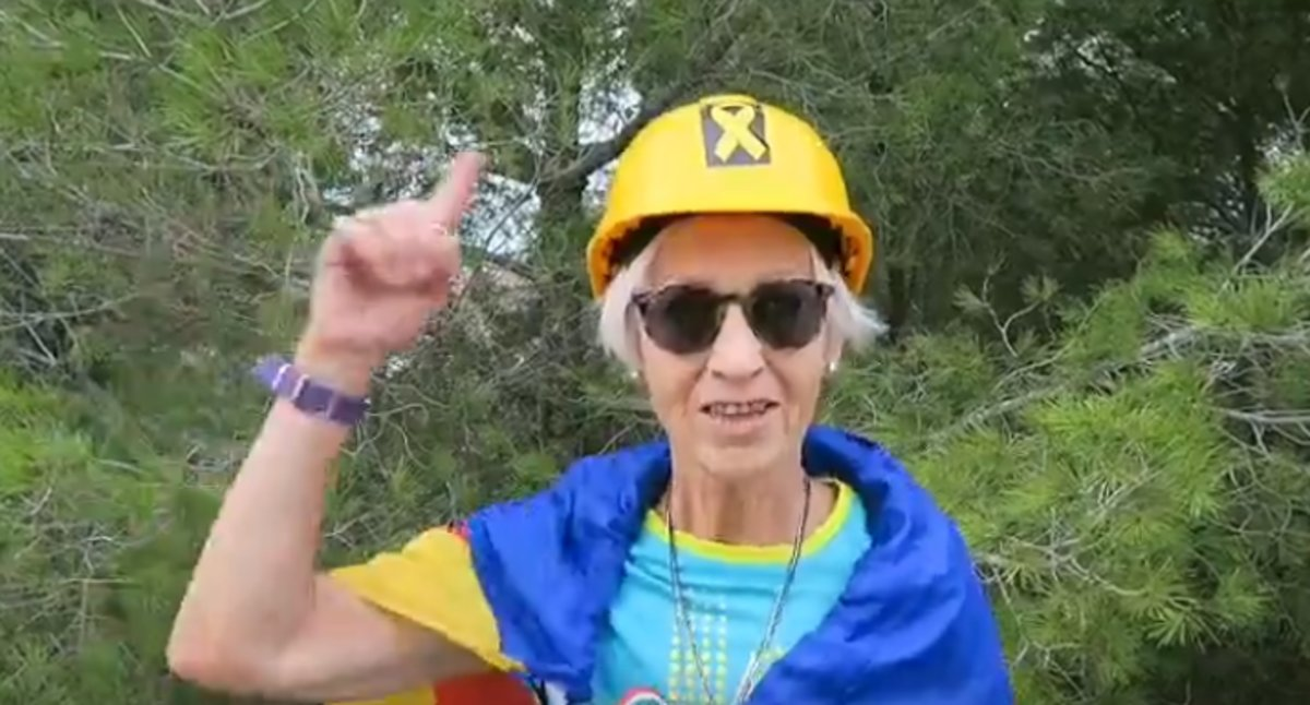 Imagen de la campaña de los cascos grocs de un grupo de Reus.