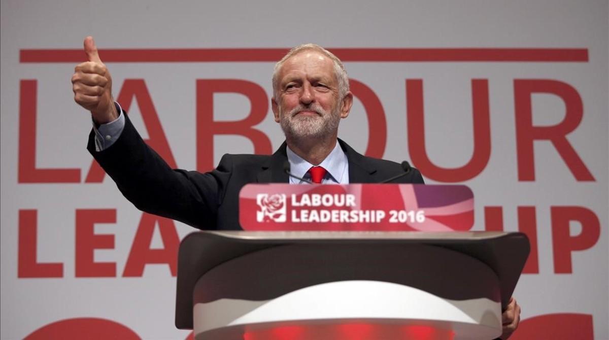 Jeremy Corbyn, tras ser reelegido como líder del Partido Laborista, en el congreso del partido en Liverpool.