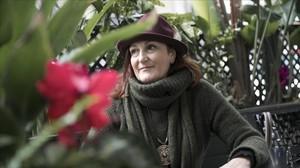 Julia Trigo, periodista, en el Mercat de la Concepció.