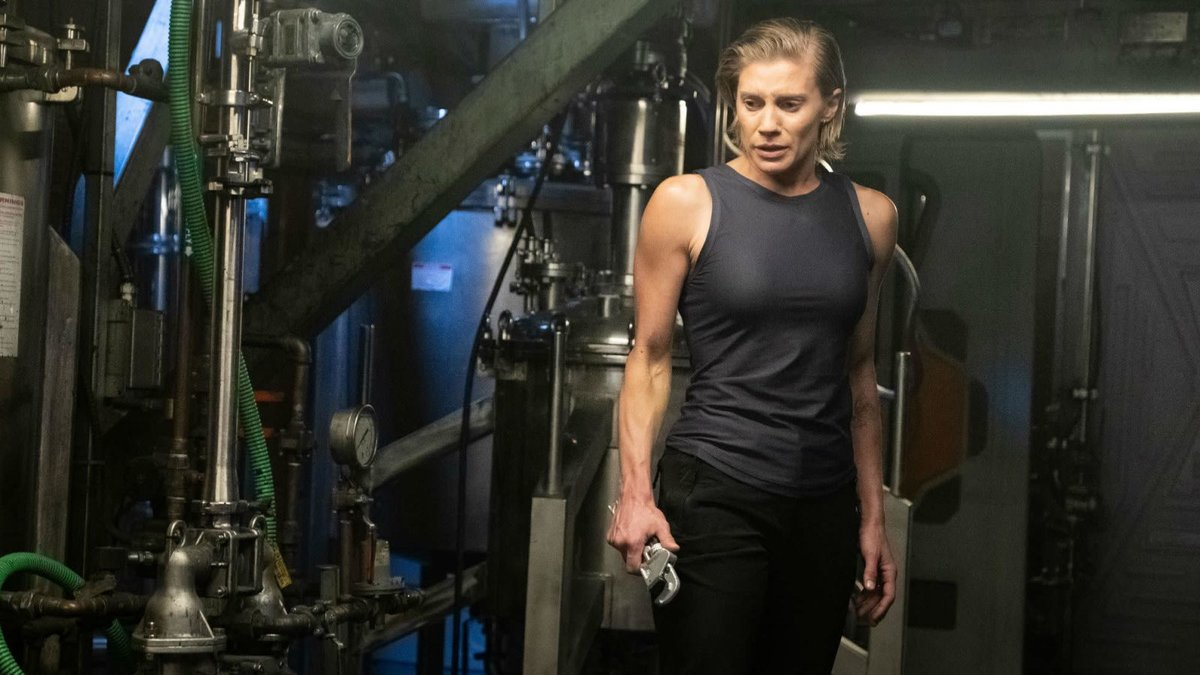 Katee Sackhoff, en un fotograma de la serie de Netflix 'Otra vida'