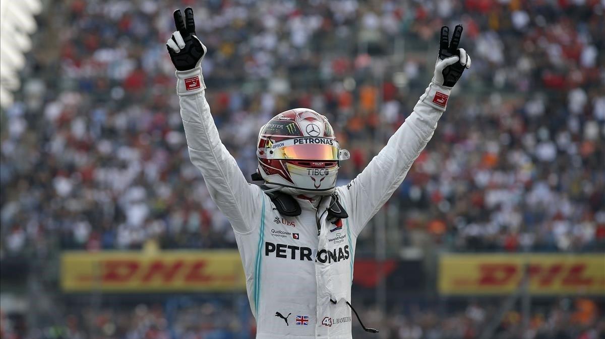 Lewis Hamilton (Mercedes) consigue la décima victoria de la temporada en el GP de México.