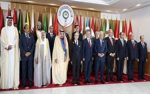 Los asistentes a lacumbre anual de la Liga Árabe.