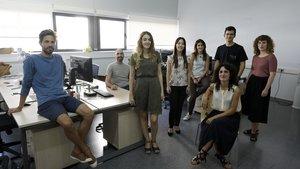 El equipo de Lobelia Earth,en sus oficinas en el interior del edificio del parque tecnológico Barcelona Nord, en Nou Barris.