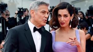 George Clooney y su mujer,Amal Alamuddin, a su llegada al Festival de Venecia, el pasado 2 de septiembre.