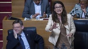 Ximo Puig y Mónica Oltra, este jueves en Les Corts.
