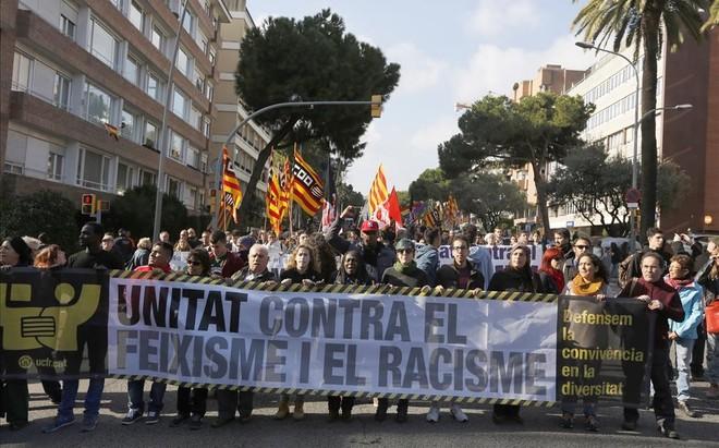 Manifestación contra el fascismo y el racismo en Barcelona