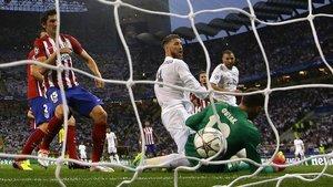 L'àrbitre de la final de la Champions Madrid-Atlètic (2016) admet que el gol de Ramos va ser il·legal