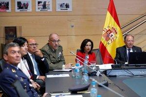 Margarita Robles y el general Félix Sanz Roldán durante una rueda de prensa en 2018