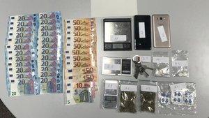 Material incautado en la operación contra el tráfico de cocaína en el Garraf.