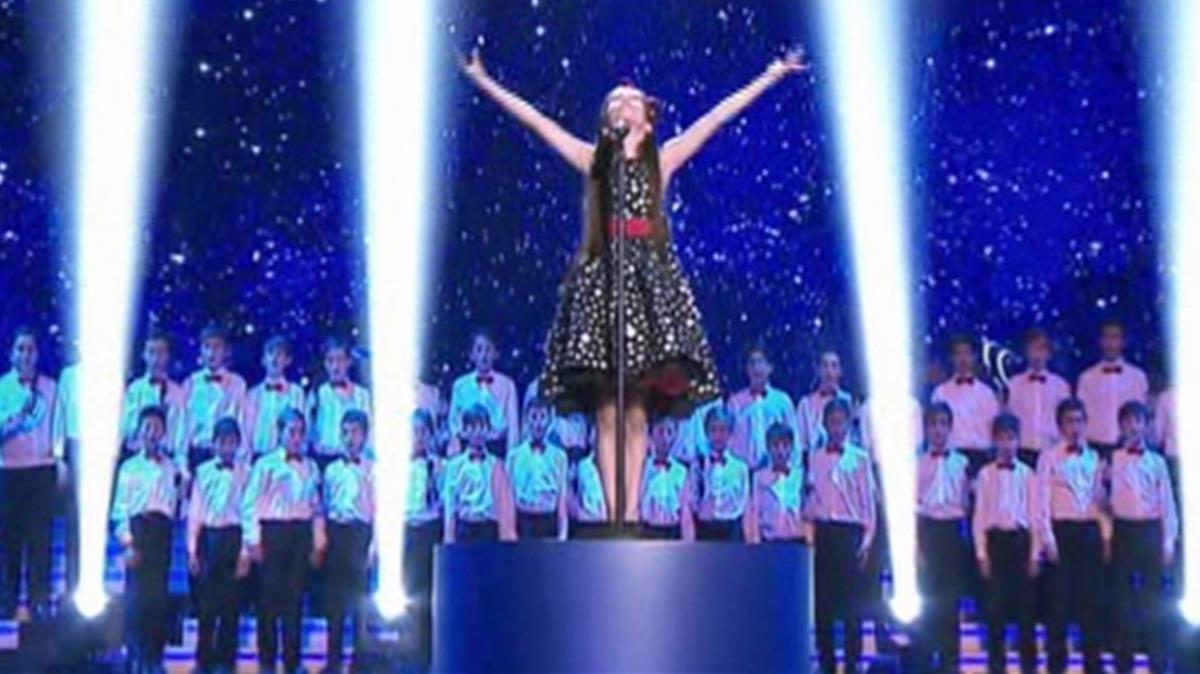 Melani, ganadora de La Voz Kids 4, interpretando Nessum Dorma.