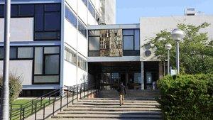 La UB suspèn les classes a la Facultat de Dret després d'una actuació dels Mossos