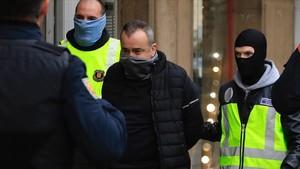 Operación policial contra el crimen organizado en la calle Espronceda.
