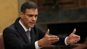 Pedro Sánchez en la tribuna del Congreso.