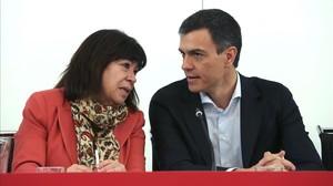 La presidenta del PSOE, Cristina Narbona, y el secretario general, Pedro Sánchez, este martes en la sede del partido.