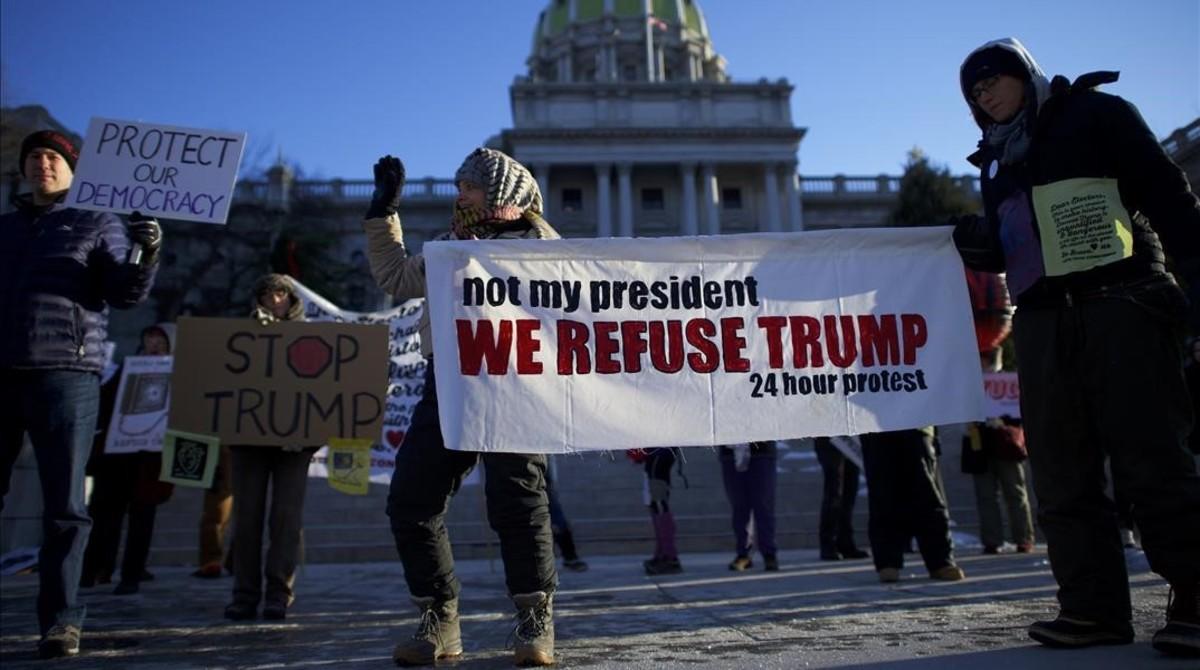 Protesta contra la elección de Donald Trump frente al Capitolio.