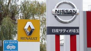 Carteles de Renault y Nissan en un concesionario de Kawaguchi (Tokio).