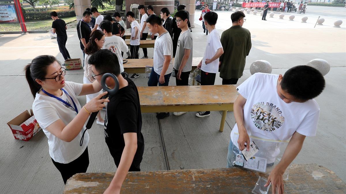 Escoles xineses posen càmeres a les aules per mesurar la concentració de l'alumnat
