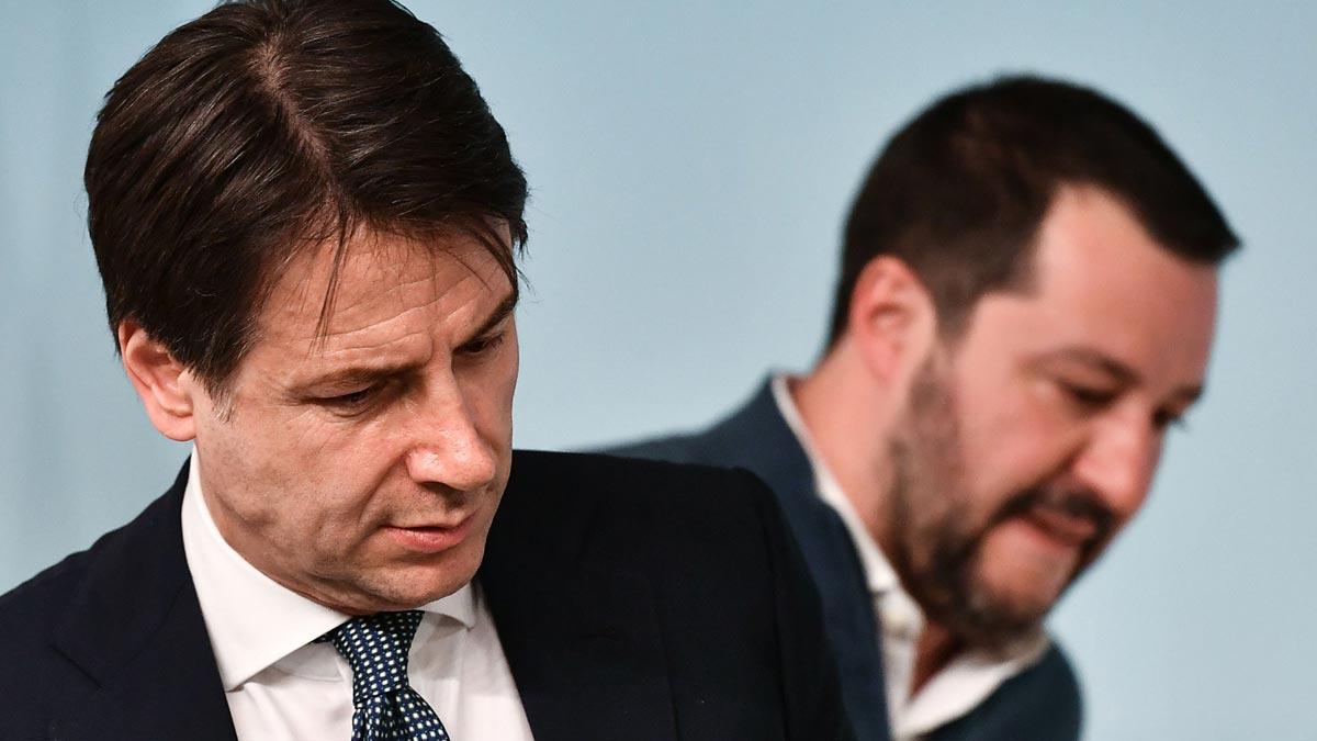 Salvini cree rota la coalición de Gobierno y exige elecciones. Conte responde.