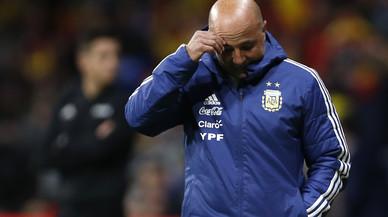 Pobre Messi, hasta sin jugar, juzgado en Argentina