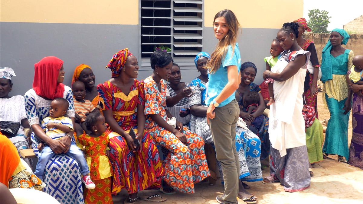 Sara Carbonero saca a su lado más solidario en un viaje a Senegal.