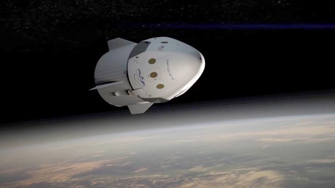 La empresa espacial privada SpaceX ha programado un viaje turístico alrededor de la Luna.