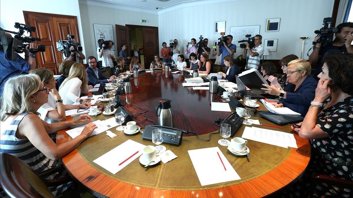 Reunión de la subcomisión para un Pacto de Estado en violencia machista, en la Comisión de Igualdad, este lunes.