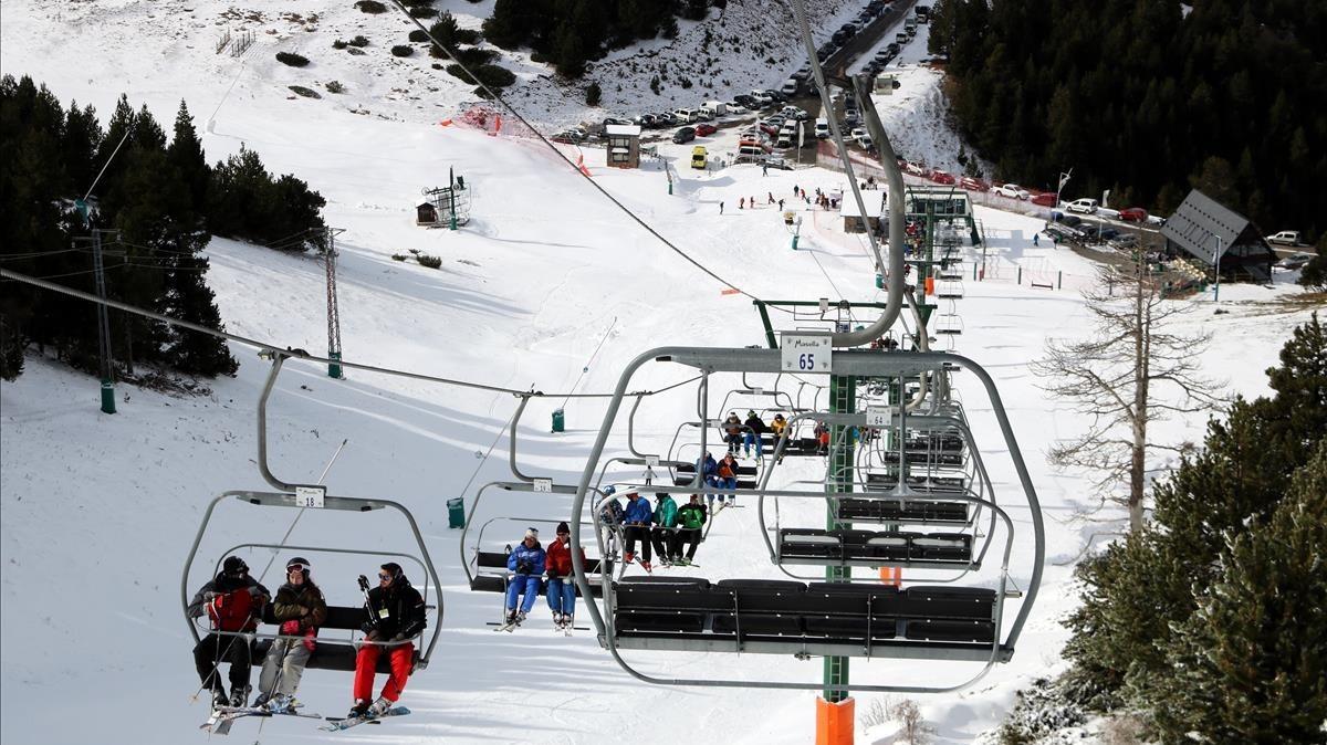 Telesilla de la Coma, en Masella, el pasado 10 de noviembre, primer día de la temporada de esquí 2017-2018.