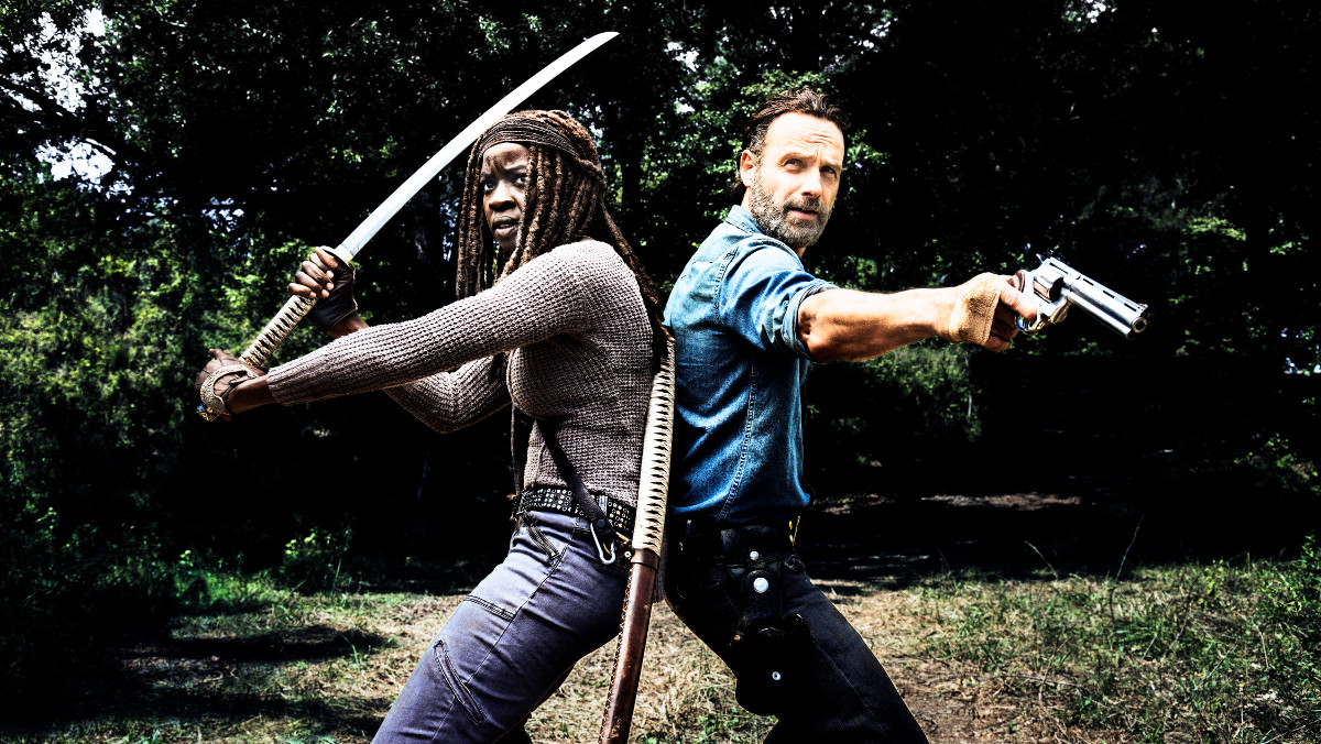 Andrew Lincoln y Danai Gurira, en una imagen de The walking dead.