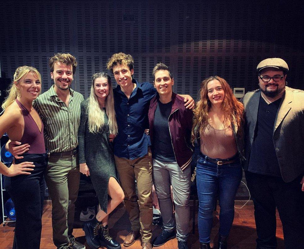 El equipo de artistas que hacen posible el recital 'Desde mi ventana'.