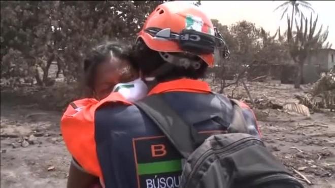 Eufemina ha perdido a hermanos, padres hijos y así a casi 50 miembros de su familia en la erupción del volcán Fuego de Guatemala.