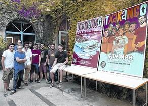 Txarango, amb Mariscal (segon per l'esquerra), el director del Festival de Jazz i el de la Big Latin Band.
