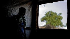 Una mujer sudanesa violada durante varios días por un grupo de hombres.