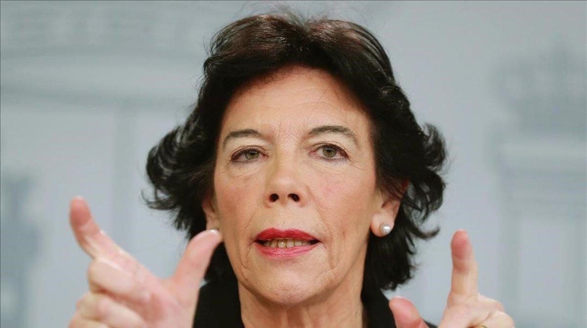 La portavoz del Gobierno, Isabel Celaá, este viernes en la Moncloa.