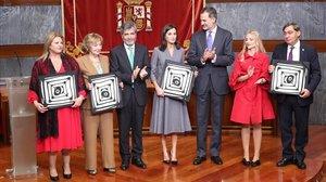 La reina Letizia y el resto de los premiados por el Observatorio contra la Violencia Machista del CGPJ.